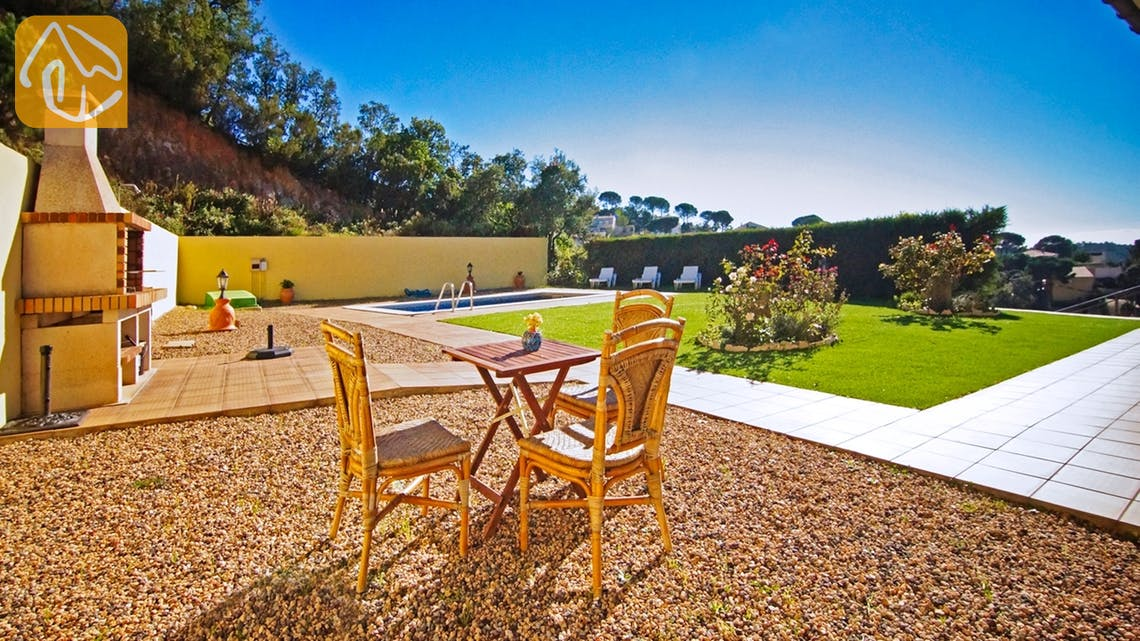 Ferienhäuser Costa Brava Spanien - Villa Nola - BBQ Area