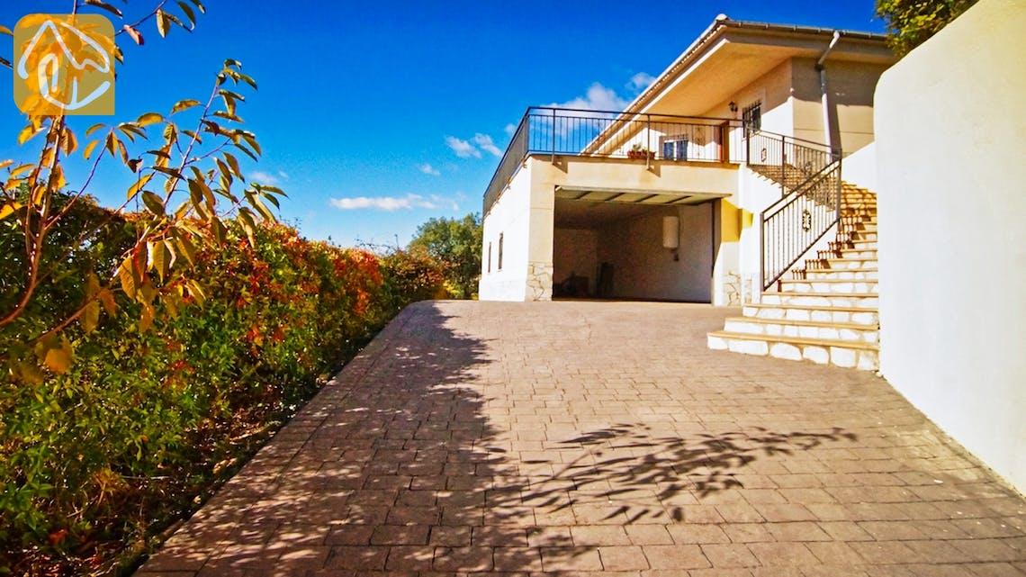 Ferienhäuser Costa Brava Spanien - Villa Nola - Street view arrival at property