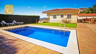 Holiday villas Costa Brava Spain - Villa Nola - Swimming pool