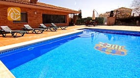 Holiday villas Costa Brava Countryside Spain - Villa Maralda - Swimming pool