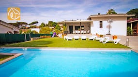 Holiday villas Costa Brava Countryside Spain - Villa Denise - Villa outside