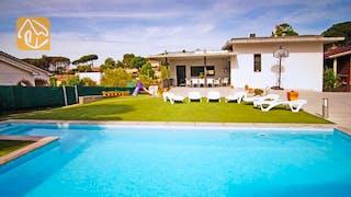 Holiday villas Costa Brava Countryside Spain - Villa Denise - Villa outside