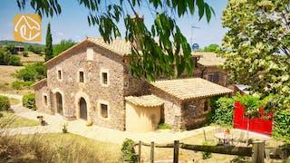 Holiday villas Costa Brava Countryside Spain - Mas Dalvi - Villa outside