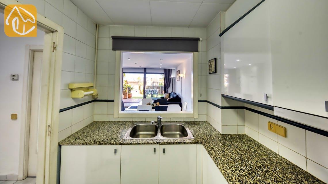 Ferienhäuser Costa Brava Spanien - Apartment Monaco - Küche