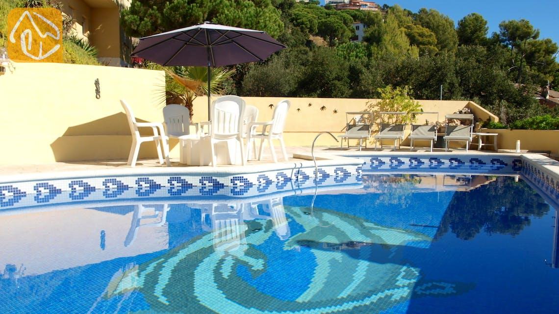 Holiday villas Costa Brava Spain - Villa Dolphina - Swimming pool