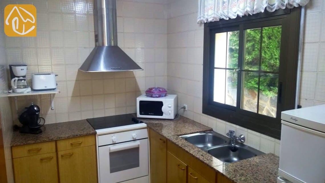 Holiday villas Costa Brava Spain - Villa Ingrid - Additional kitchen
